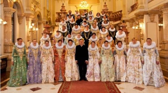 """Corul Național de Cameră """"Madrigal – Marin Constantin"""" a fost distins cu Ordinul """"Credință și Unire"""""""