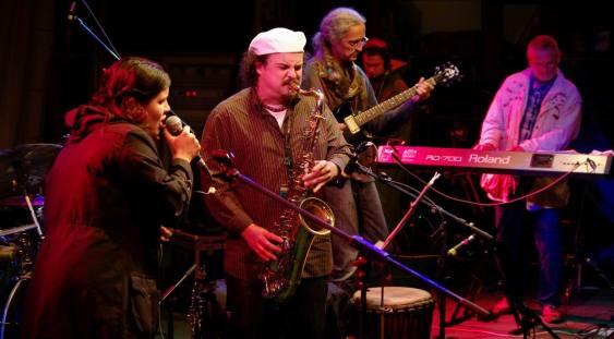Bega Blues Band la Londra – Un soundtrack pentru victoria tricolorilor
