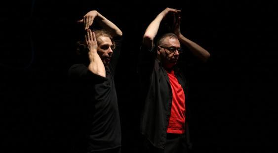 """Spectacolul """"L'Om DAdA"""" de Gigi Căciuleanu la Sadler's Wells Theatre din Londra"""