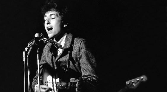 Comitetul Nobel renunţă să-l mai contacteze pe Bob Dylan