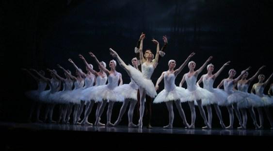 Baletul Lacul lebedelor de Ceaikovski la Opera Naţională Bucureşti