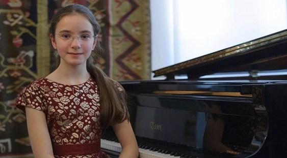 Eva Garet – Premiul I la Concursul 'Ricard Viñes' din Lleda, Spania