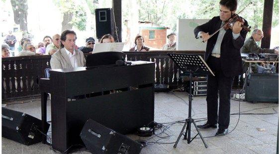 Vioara lui Enescu în parcurile bucureștene