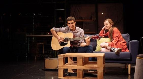 """Reprezentație specială """"Fluturii sunt liberi"""" la Teatrul Excelsior în beneficiul elevilor cu deficiențe de vedere"""