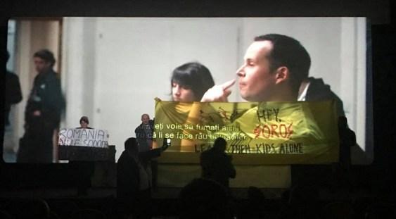 Reacţia MŢR, după ce proiecţia unui film a fost întreruptă: Protestatarii au confundat misiunea muzeului cu cea a unor culte religioase