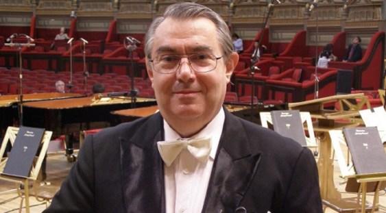 A murit violonistul Dan Enăşescu