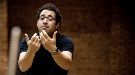 După un mare succes la Opera Regală din Londra, LEO HUSSAIN dirijează Enescu la Sala Radio!