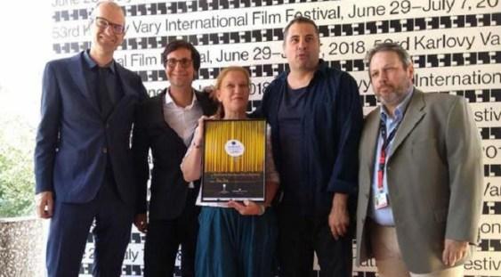 """Radu Jude a câştigat Globul de Cristal, Marele premiu al festivalului de film de la Karlovy Vary, cu filmul """"Îmi este indiferent dacă în istorie vom intra ca barbari"""""""