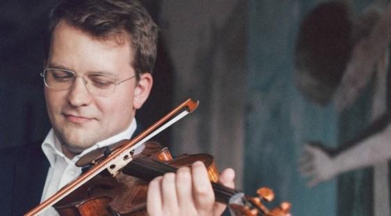 """Violonistul Valeriy Sokolov și dirijorul Christian Badea, în """"Concertele Centenarului la Ateneu"""""""