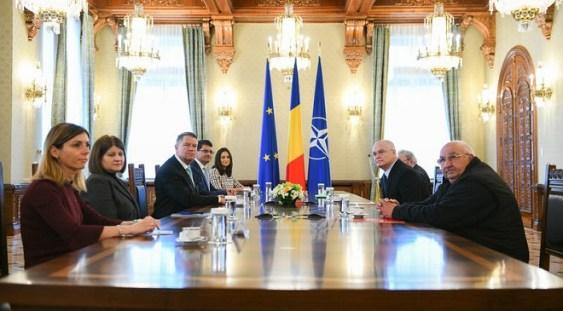 """Iohannis: """"Încercarea PSD de a se folosi de năcazul foștilor deținuți politici pentru a-și justifica asaltul asupra justiției este jalnic"""""""