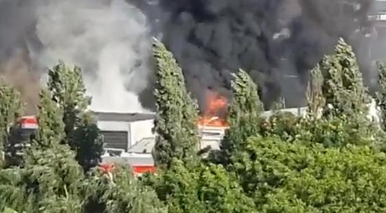 Incendiu puternic în sudul Capitalei