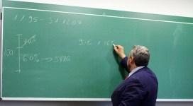 Doar 40% dintre profesori au luat note peste 7 la examenul de titularizare