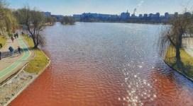 Lacul IOR din Capitală este roșu