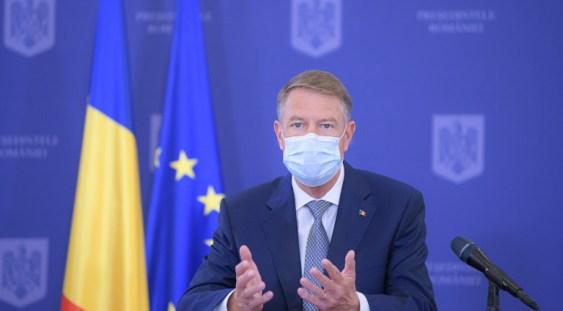Klaus Iohannis: Din 15 mai se elimină portul măștii în exterior, cu câteva excepții
