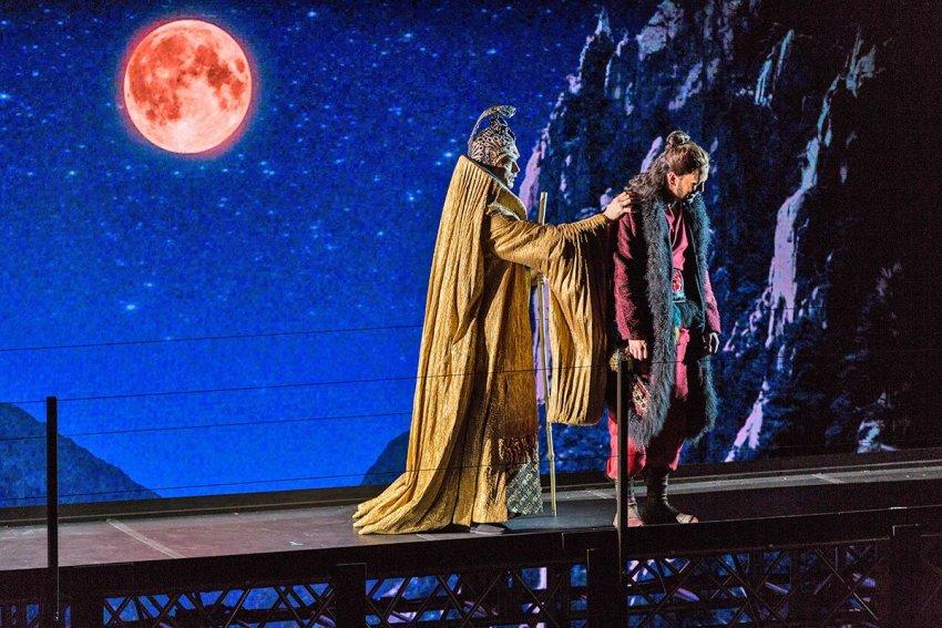 Andrew Nolen (Abbott) and Christopher Burchett (Ming) in Gilgamesh
