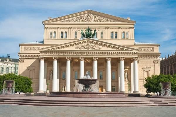 Занавес пошел! Сегодня откроется Большой театр России