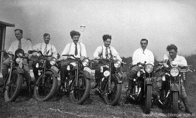 Vroeger was motorrijden pas echt leuk!
