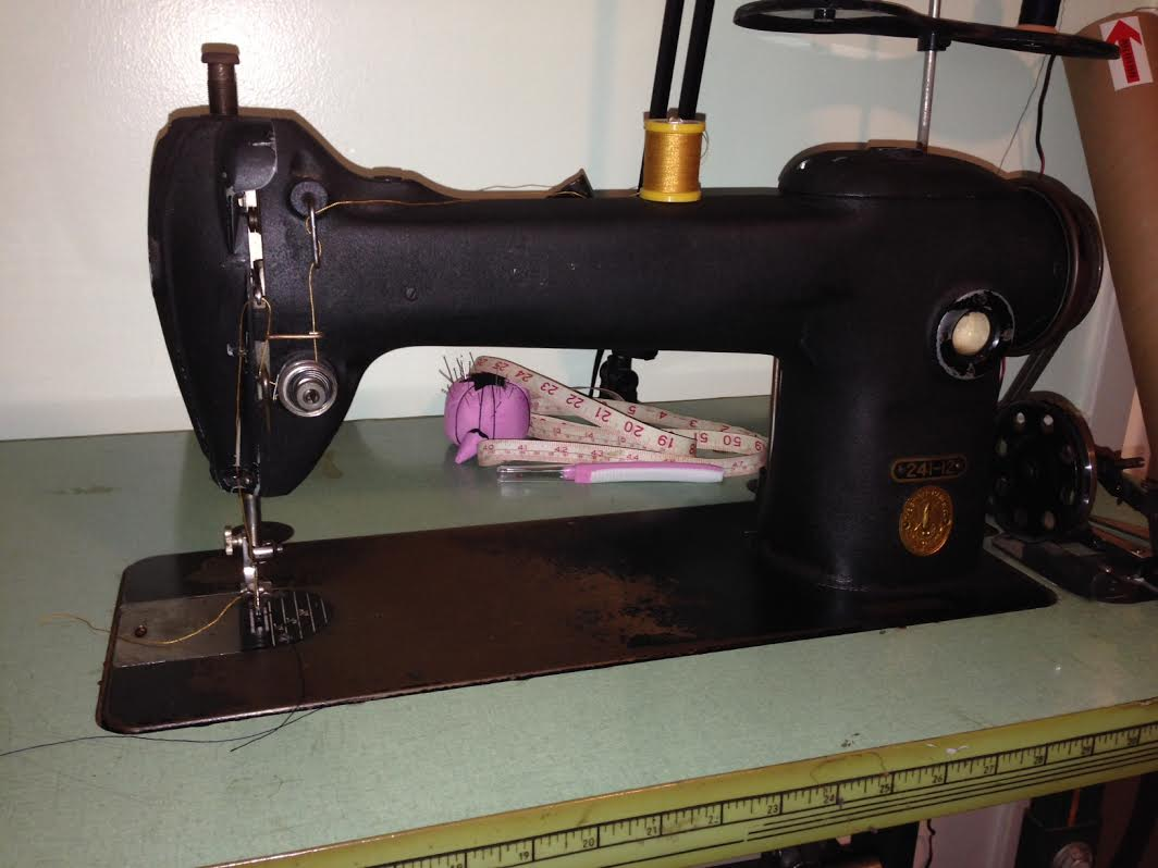 Singer Sewing Machine 241 12 Vintage Classic Cars And Tools