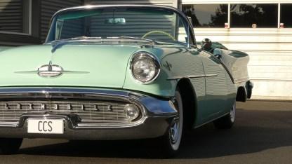 OLDSMOBILE 1957 98 Cab (19)