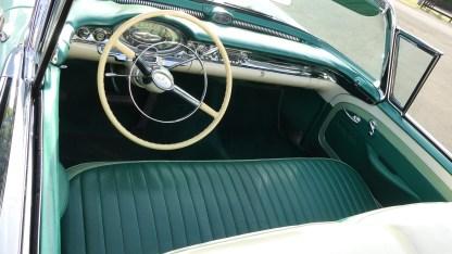 OLDSMOBILE 1957 98 Cab (24)