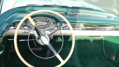 OLDSMOBILE 1957 98 Cab (26)