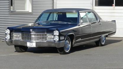 Cadillac Fleetwood 1966 (2)