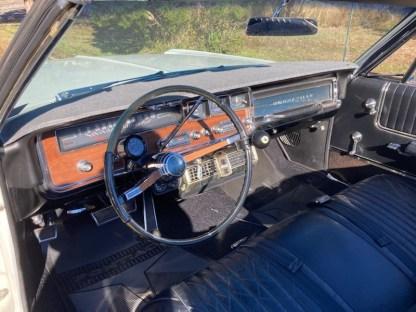 Pontiac Bonneville Cab 1966 (16)