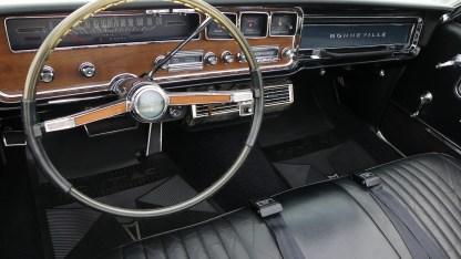 Pontiac Bonneville Cab 1966 (31)