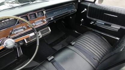 Pontiac Bonneville Cab 1966 (32)