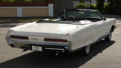 Pontiac Bonneville Cab 1966 (21)