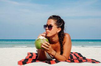 6 Beauty Benefits of Coconut Water