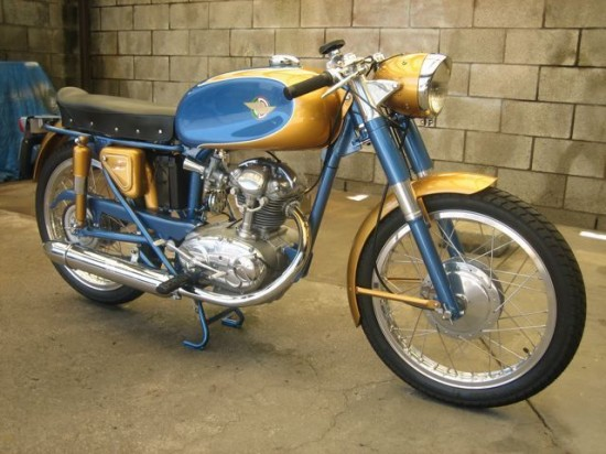 1966 Ducati 125 R Front