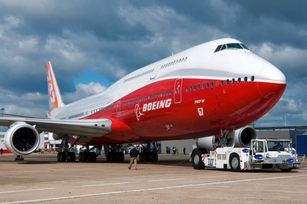Top 10 Biggest Airplanes in the World | Largest Passenger ...