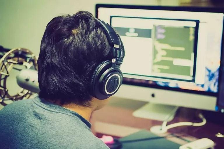 JavaScript : Comment trier une liste et l'afficher sur une page web ?