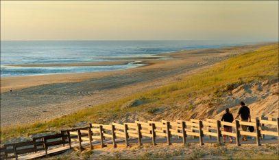 Début de soirée, descente vers la plage à Messanges