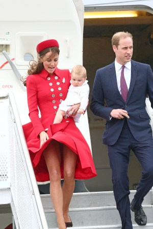 DUKE+AND+DUCHESS+OF+CAMBRIDGE+ARRIVE+IN+WELLINGTON_claudiamatarazzo