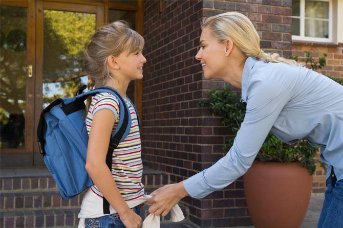 mae+filha+escola