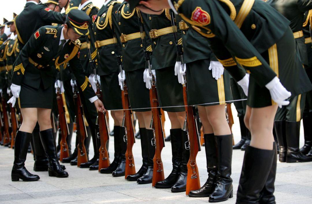China_Honor_Guard_Line_dress_inline_amenimario