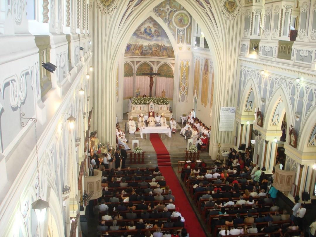 Catedral-Metropolitana-de-Aracaju-missa