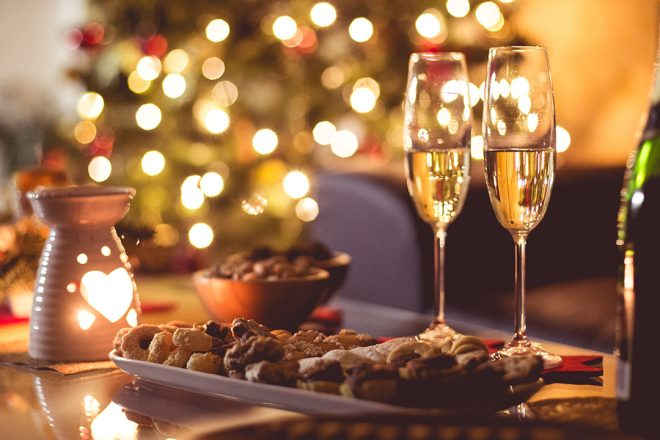 Hygge-new-years-eve-champagne-1080x720