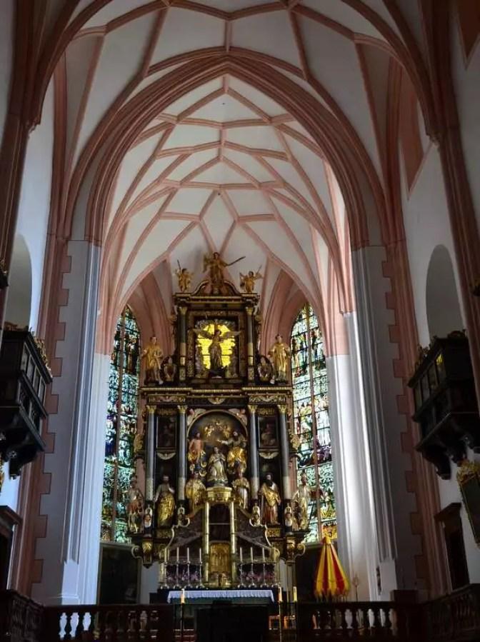 Basilika Mondess Hauptaltar