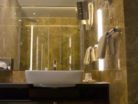 Badezimmer Derag Livinghotel am Viktualienmarkt
