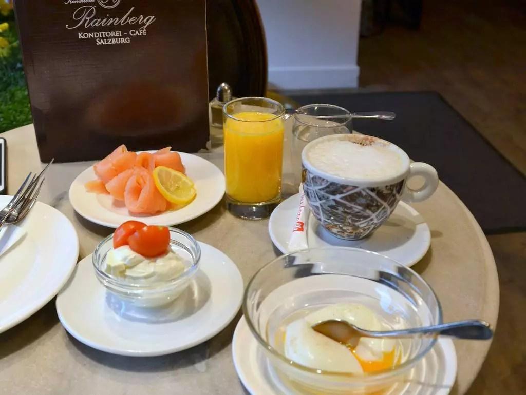 EI IM GLAS; MEINE SALZBURGER FRÜHSTÜCKS-KAFFEEHÄUSER; Konditorei Rainberg