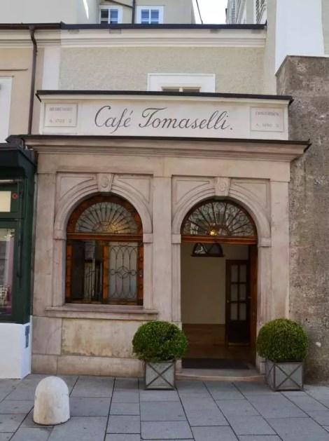 Nebeneingang Tomaselli