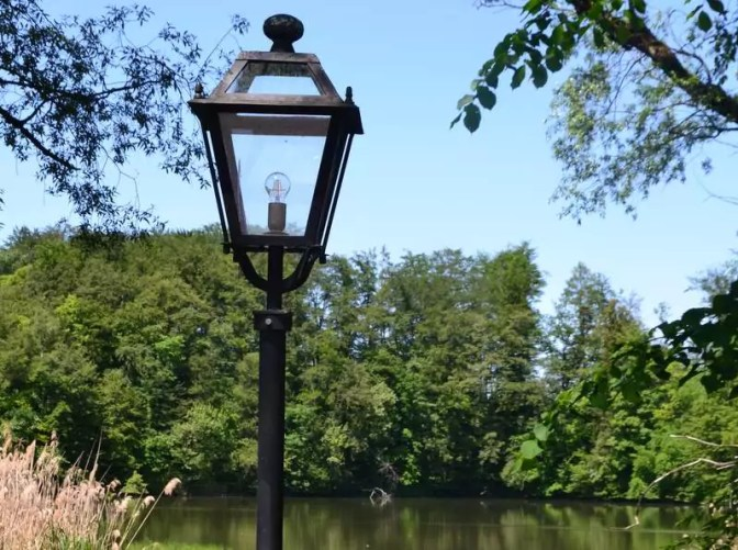 Laterne am Teich in Sankt Jakob am Thurn