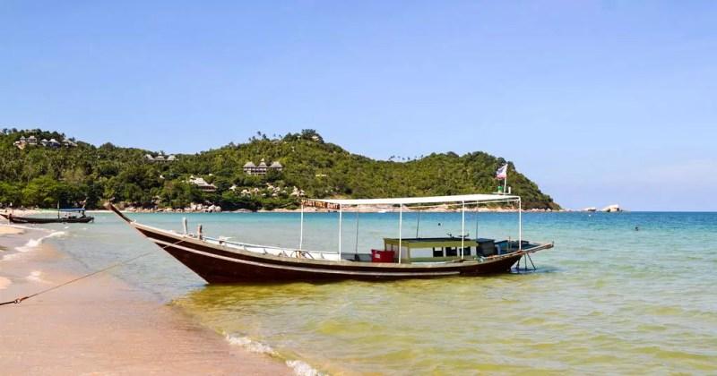 Fischer Boot vor dem Hotel Buri Rasa Phangan