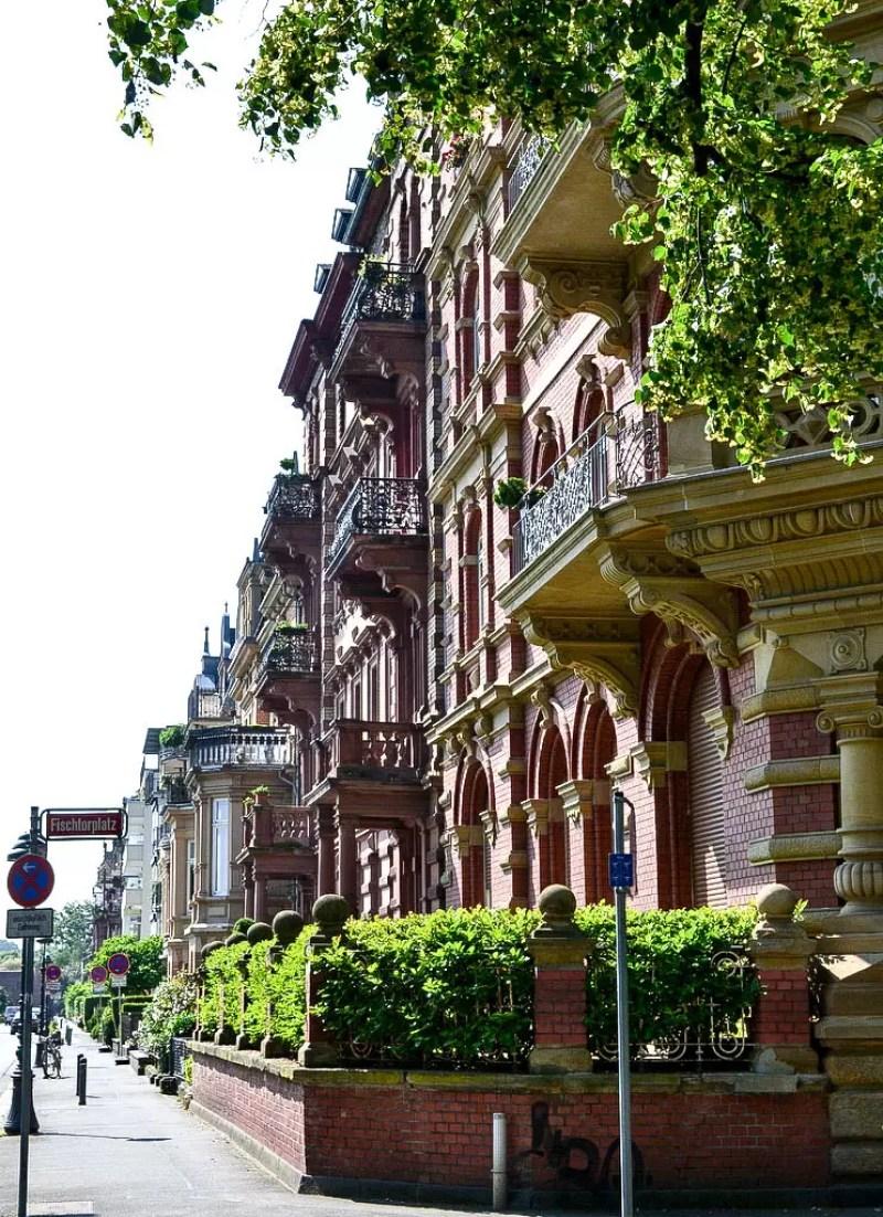 Häuser am Rhein in Mainz