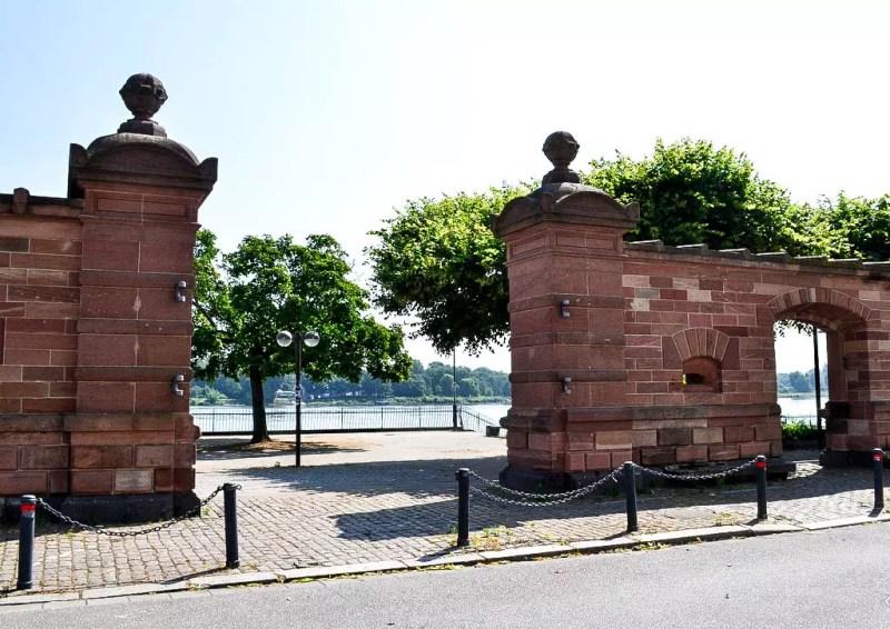 Am Rhein in Mainz