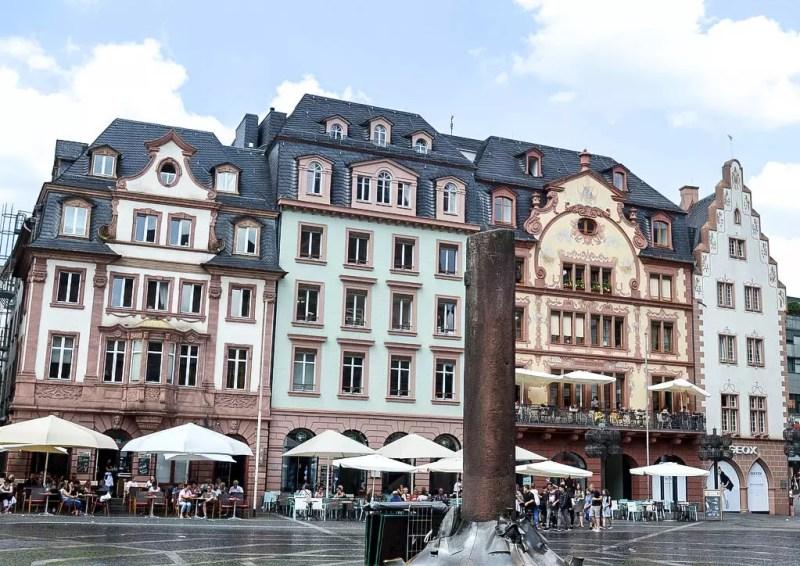 Altstadt Mainz, Häuserzeile