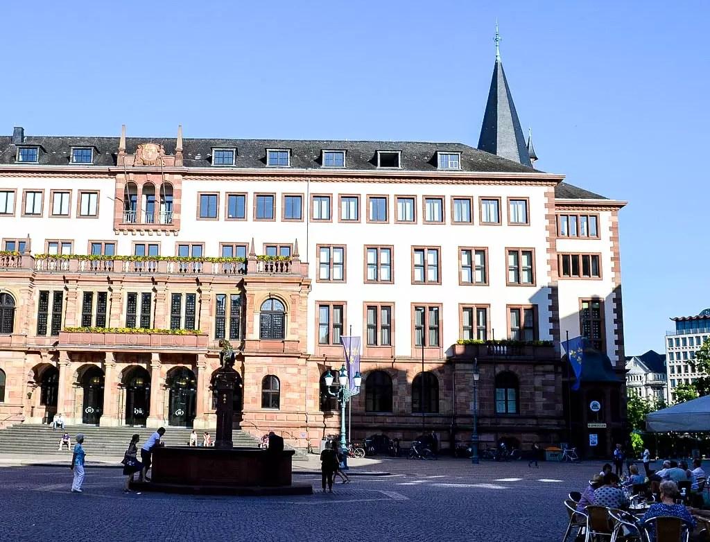 Neues Rathaus in Wiesbaden
